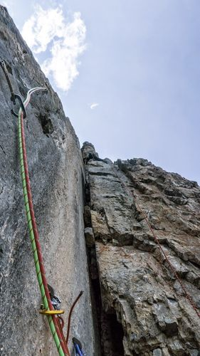 The left-hand variation to the offwidth on the third pitch. Photo: Sam Eastman